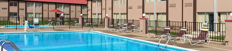 ramada hotel pool