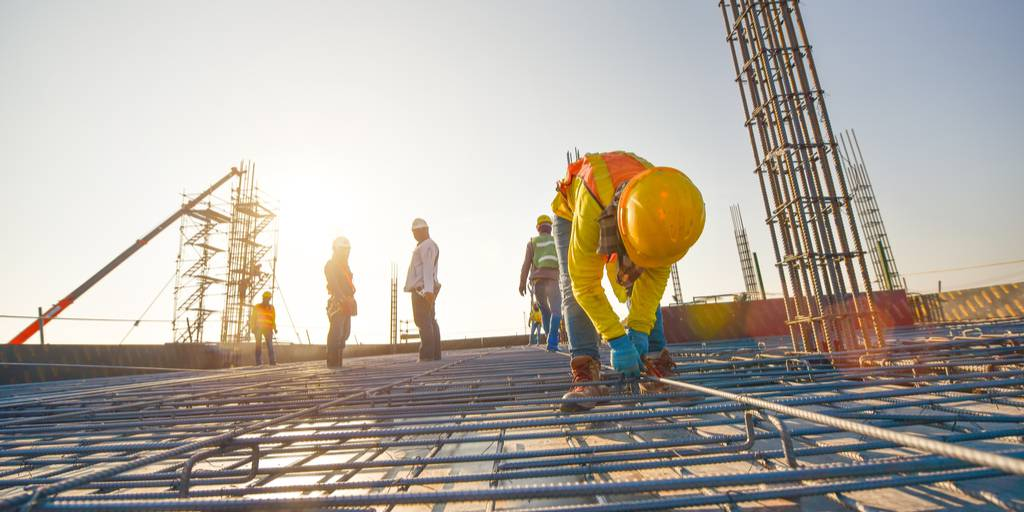 5 Ways Construction Managers Can Improve Communication at Work Sites
